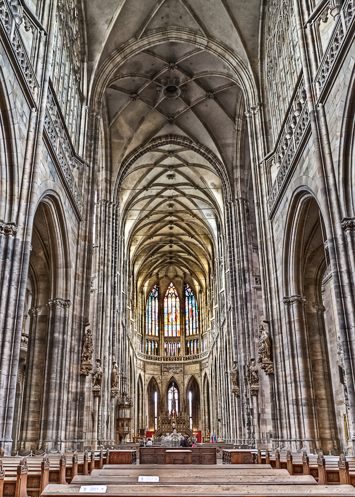 cfrobins_110702_8147_prague_cathedral-hdr